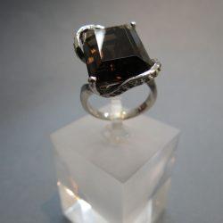 Füsttopázos, ródiumos ezüst gyűrű
