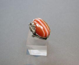 Antikolt ezüst gyűrű sávos acháttal