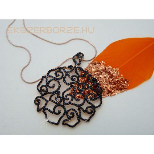 Rosé aranyozott áttört mintás fekete köves medál-különlegesség!