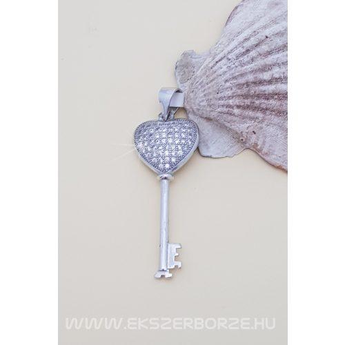 Szív-kulcs medál