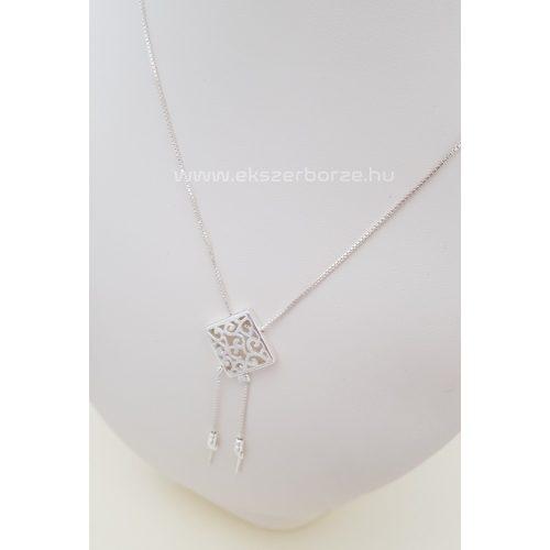 Különleges ezüst nyakék