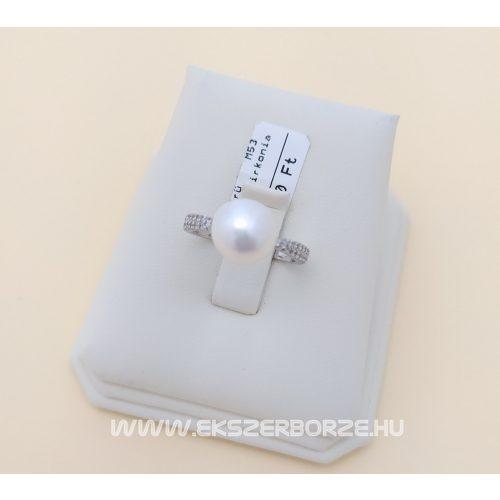 Ezüst köves és igazgyöngyös női gyűrű