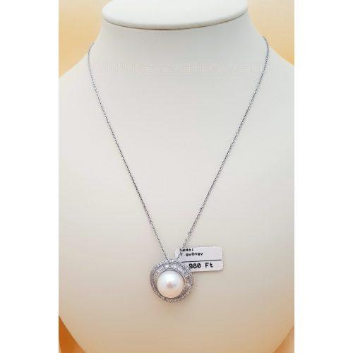 Édesvizi tenyésztett gyöngyös-köves ezüst medál