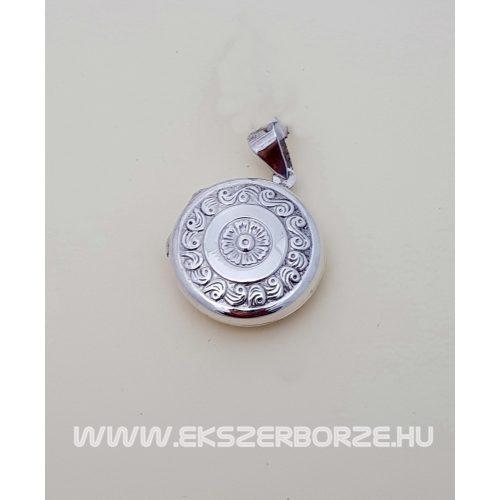 Fényképtartós ezüst medál virágmintával