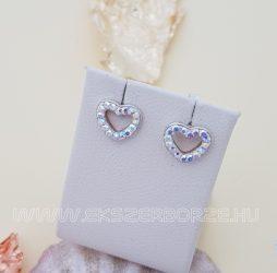 Szív alakú bedugós ezüst fülbevaló cirkónia kövekkel