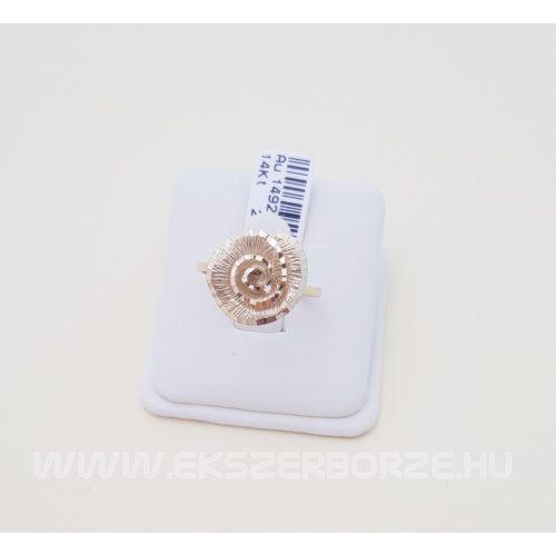 Kő nélküli arany gyűrű gyémántmetséssel