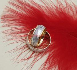 Fehér-sárga arany köves karikagyűrű