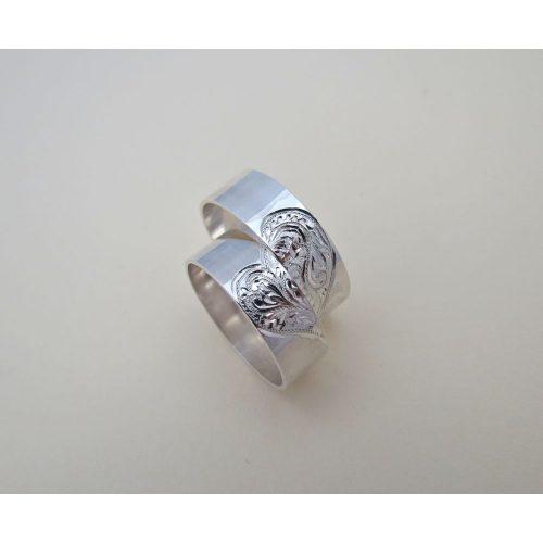 Egyedi karikagyűrű-kézzel készített és vésett