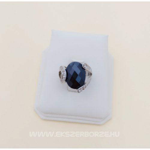 Ezüst gyűrű fekete és fehér cirkónia kövekkel